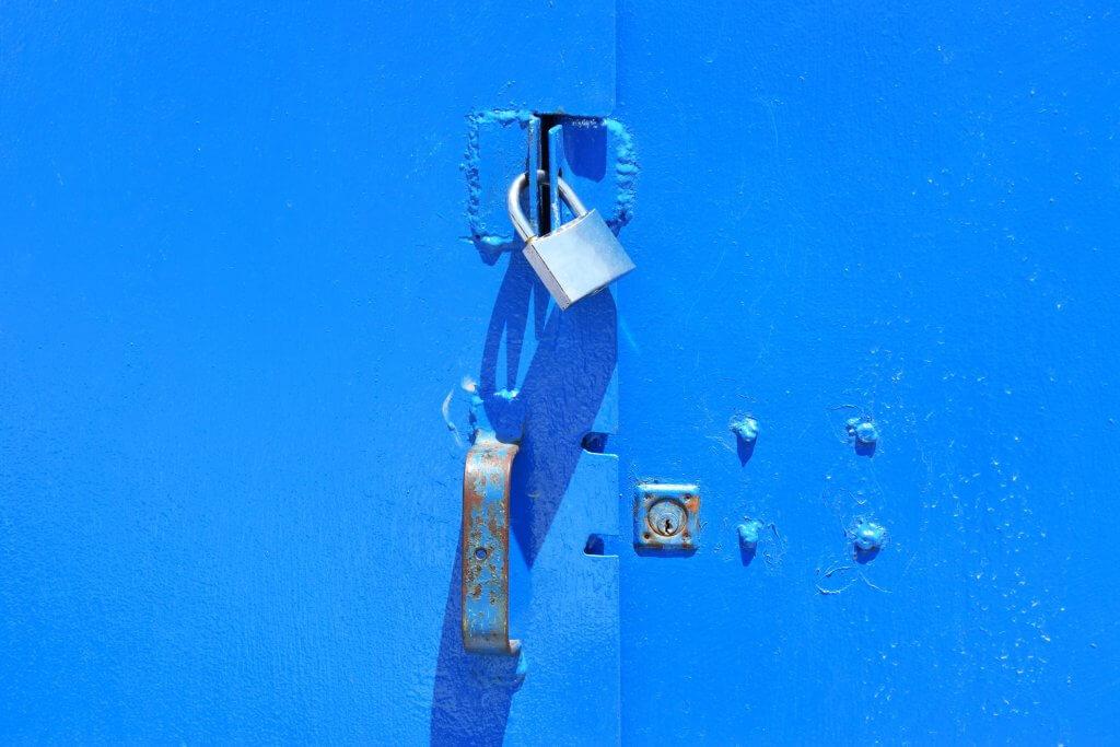 Padlock. Photo by Chris Barbalis on Unsplash